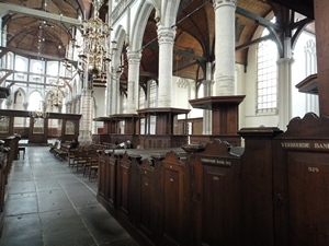 Oude Kerk in Amsterdam's red light district (Rosse Buurt)