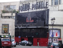 Le Folie's Pigalle on Boulevard de Clichy Red Light District (Quartier Rouge) in Paris France