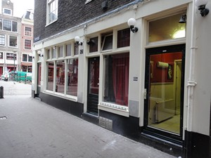Goldbergersteeg in Amsterdam's red light district (De Wallen / Walletjes / De Rosse Buurt). Oudekennissteeg 5
