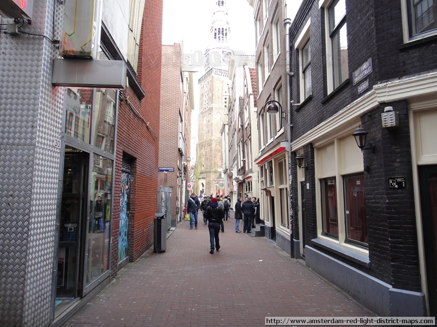 Sint Annendwarsstraat looking towards Oudekerk, Amsterdam red light district (De Wallen / Walletjes / De Rosse Buurt). Copyright: George 2011