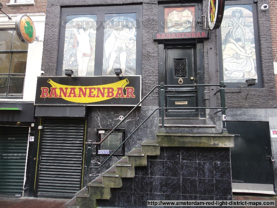 The Banana Bar(Bananenbar) at Oudezijds Achterburgwal 37, Amsterdam red light district (De Wallen / Walletjes / De Rosse Buurt), Copyright: George 2011