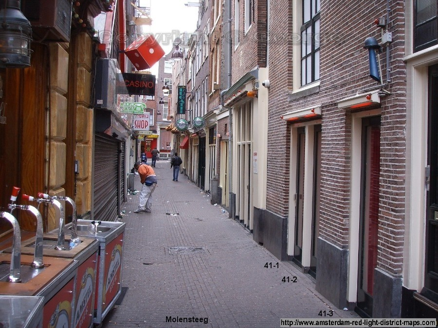 Molensteeg, Amsterdam red light district (De Wallen / Walletjes / De Rosse Buurt). Copyright: George 2011