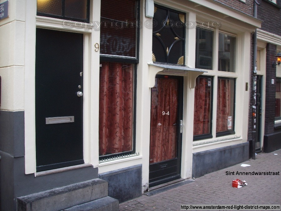 Sint Annendwarsstraat, Amsterdam red light district (De Wallen / Walletjes / De Rosse Buurt). Copyright: George 2011