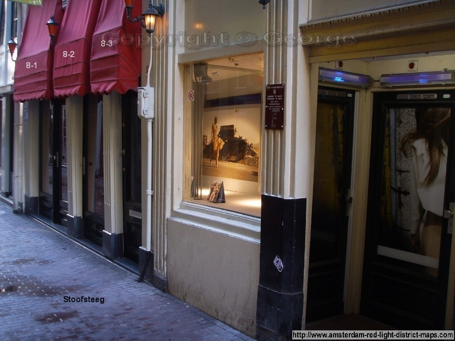 Stoofsteeg, Amsterdam red light district (De Wallen / Walletjes / De Rosse Buurt). Copyright: George 2011