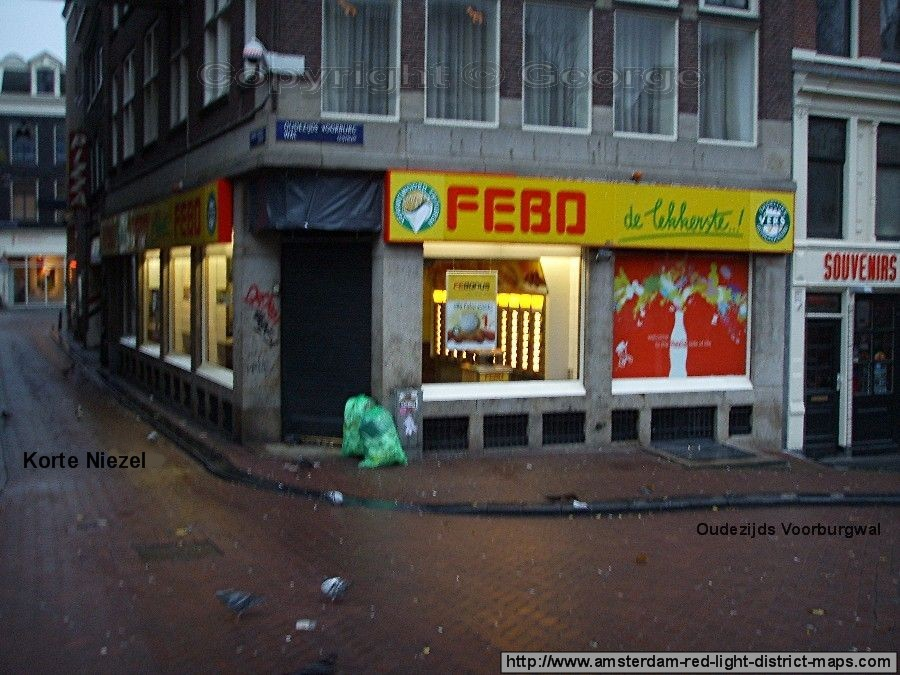 Febo on Oudezijds Voorburgwal and Korte Niezal, Amsterdam red light district (De Wallen / Walletjes / De Rosse Buurt). Copyright: George 2011